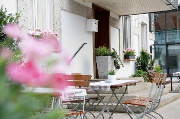 Hotel & Gasthof Krone Zusmarshausen Terrasse